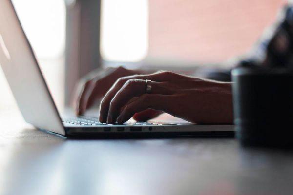 Cómo redactar artículos. Guía para escribir un artículo para un blog. Cómo escribir un artículo para el diario.