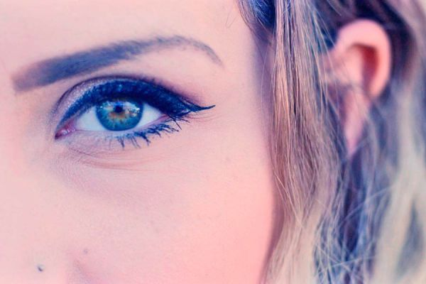 Trucos para aclarar los ojos de manera natural. Métodos caseros para aclarar los ojos. Cómo cambiar el color de ojos
