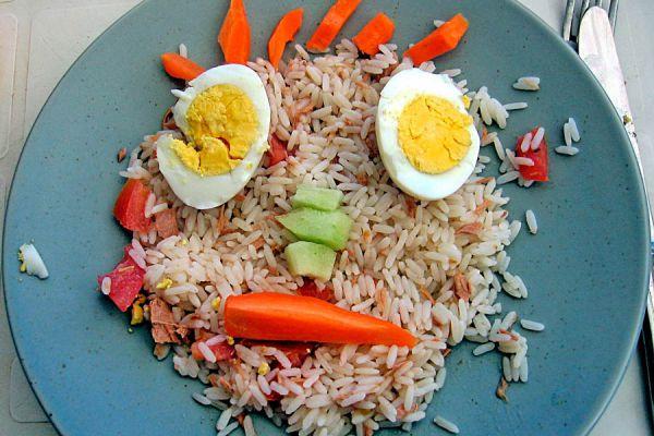 Comidas para eliminar la caspa. Alimentos que ayudan a prevenir la caspa.