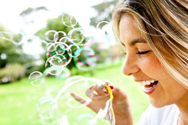 Guía para aprender a vivir el presente. Cómo estar en el presente y ser feliz. Métodos para aprender a vivir el hoy