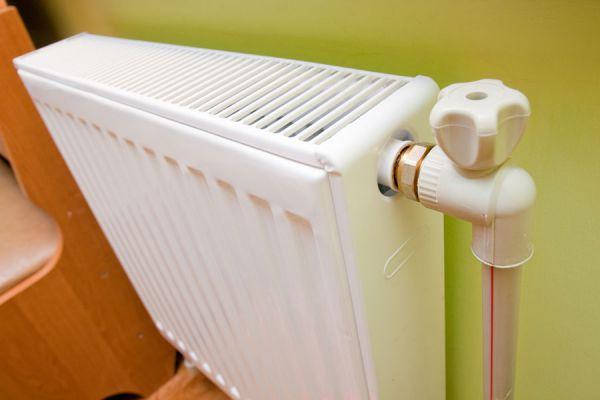 Cubre radiador decorativo y original. Ideas simples para cubrir el radiador cuando no lo usamos. Cobertor de radiador fácil y económico