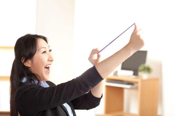 Tips y consejos para hacer más  divertido el trabajo. Claves para ser feliz en el trabajo haciendo que el ambiente sea divertido