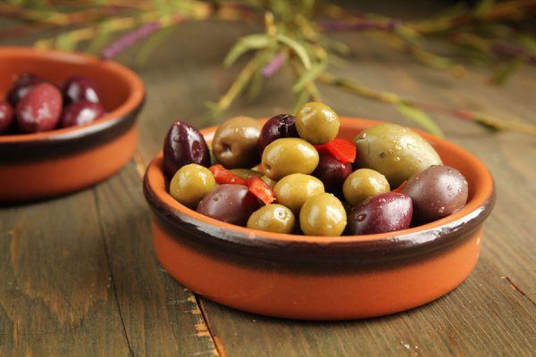 Aceite de oliva virgen, extra virgen, light, diferencias. Tips para elegir un buen aceite de oliva. La calidad del aceite de oliva