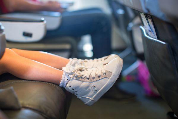 Aprende a elegir el mejor calzado para tu hijo. Guía para escoger los zapatos para niños. Cómo debe ser el calzado de niños?