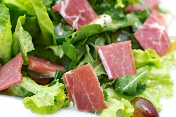 Recetas para aprovechar sobras de jamón. Que platos puedes preparar con las sobras de jamón? Ideas sabrosas para usar los restos de jamón
