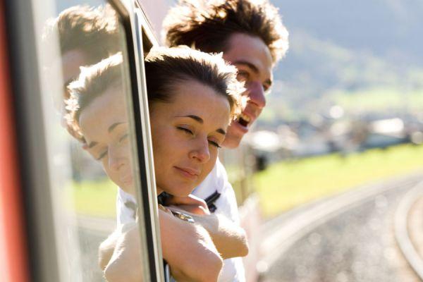 Entretenimientos para un viaje en tren. Actividades para disfrutar un viaje en tren. Cómo entretenerse al viajar en tren.