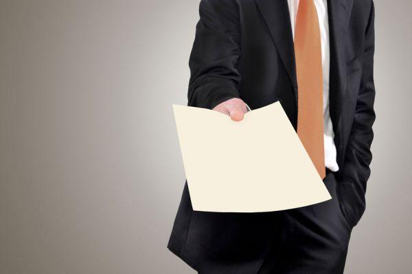 5 consejos para obtener tus primeros clientes. Claves para ganar clientes iniciales en tu emprendimiento. Tips para ganar tus primeros clientes