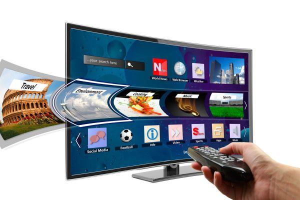 5 gadgets para convertir tu televisor en un Smart TV. Cómo convertir el televisor en un smart tv sin gastar mucho.