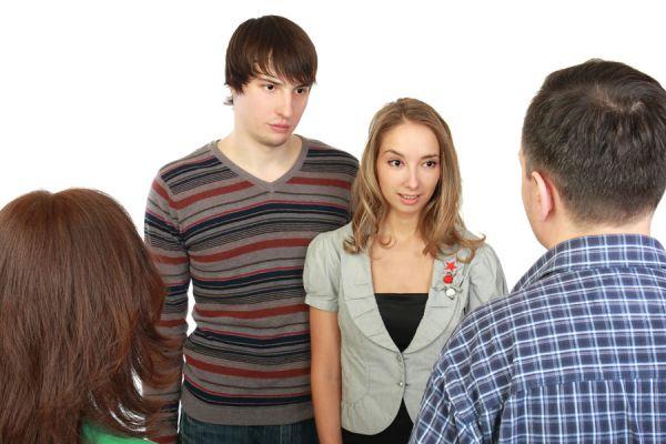 Claves para poder dialogar con adolescentes. Aprende cómo comunicarte con hijos adolescentes. Tips para conversar con adolescentes