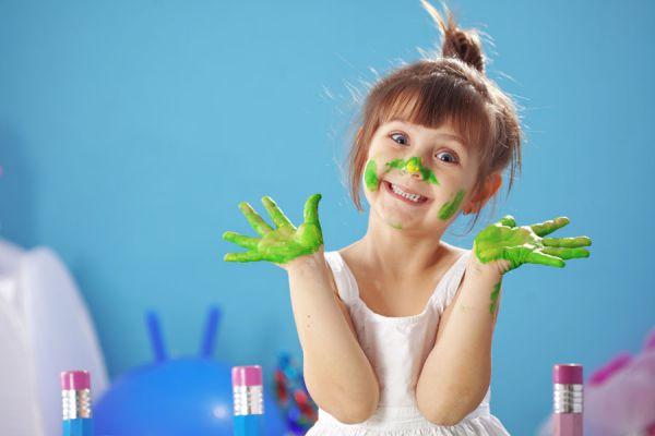 Tips para que los niños aprendan a pintar. Cómo enseñar a colorear. Métodos para enseñar a los niños a pintar por primera vez