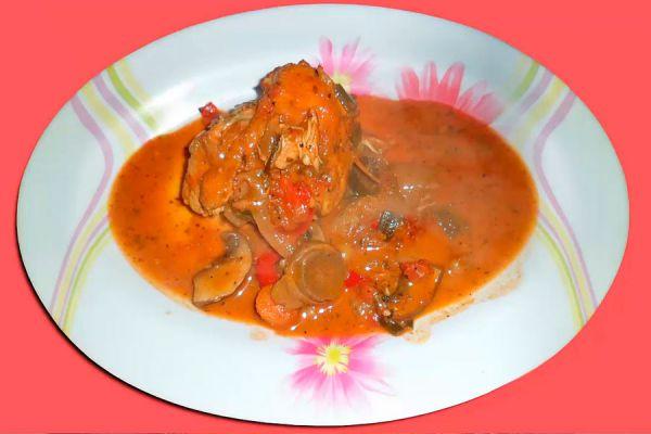 Receta de pollo al disco para 8 personas. Ingredientes para preparar pollo al disco. Cómo cocinar pollo en un disco.