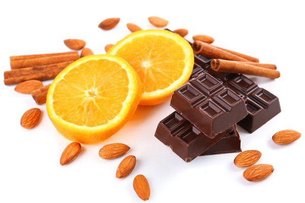 Pasos para preparar medallones de naranja bañados en chocolate. Ingredientes y preparación de medallones de naranja caseros.