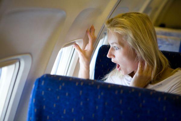 Consejos para vencer el miedo a volar. Claves para evitar sentir pánico a los aviones. Tips para superar el miedo a viajar en avión