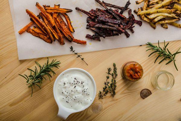 Recetas para preparar frituras diferentes. Cómo hacer frituras más saludables. Recetas de frituras de manzana, batata, zanahoria y otras verduras