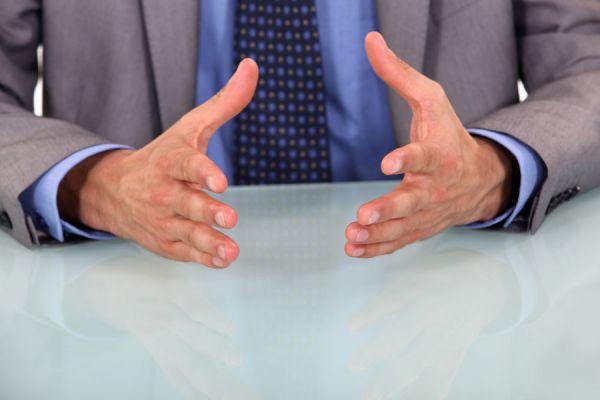 Posturas para mejorar el lenguaje corporal. Tips para entender el lenguaje no verbal. Consejos para mejorar el lenguaje corporal