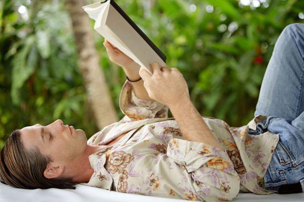 Libros para leer durante las vacaciones. Los mejores libros para leer en un viaje. Qué libro elegir para leer durante un viaje.