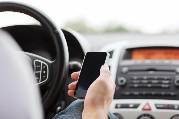Las mejores aplicaciones útiles para conductores. Apps para iphone útiles para conductores. Apps útiles sobre coches para iphone.