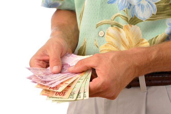 Tips para cuidar del dinero durante un viaje. cómo evitar robos durante un viaje. Consejos para cuidar el dinero en un viaje
