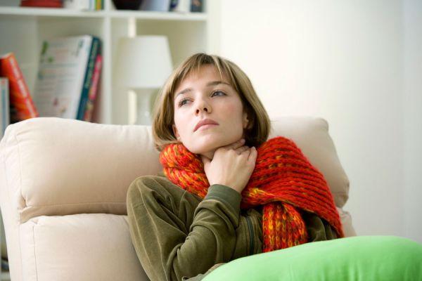 Remedios naturales para curar la afonía. Recetas caseras para aliviar los síntomas de la afonía. Tips para curar la afonía