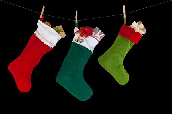 La tradición de dejar calcetines rojos en la chimenea. Por qué dejar calcetines rojos en Navidad? La tradición de los calcetines rojos en Navidad