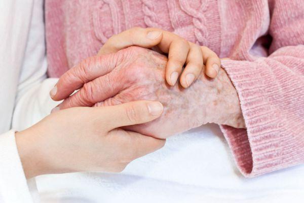 Síntomas del síndrome del ocaso. Cómo ayudar a un familiar con síndrome del ocaso. Señales para detectar el síndrome del ocaso