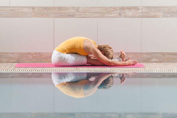 Posiciones de yoga para principiantes. 5 asanas de yoga para principiantes. 5 posturas basicas de yoga