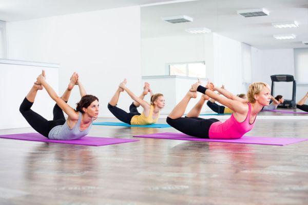 Yoga para aliviar la gripe y los resfriados. Cómo combatir enfermedades de invierno con yoga. Asanas de yoga contra la gripe y resfriados