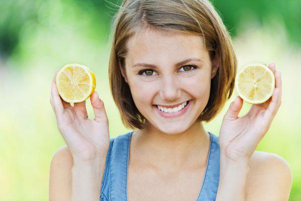 Recetas naturales para aclarar el pelo. Cómo aclarar el pelo con ingredientes naturales. Recetas caseras para aclarar el cabello de forma natural