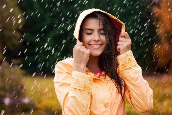 Tips para acampar bajo la lluvia. claves para acampar con lluvia. Cómo hacer una acampada con lluvia. Cómo montar la tienda de campaña con lluvia