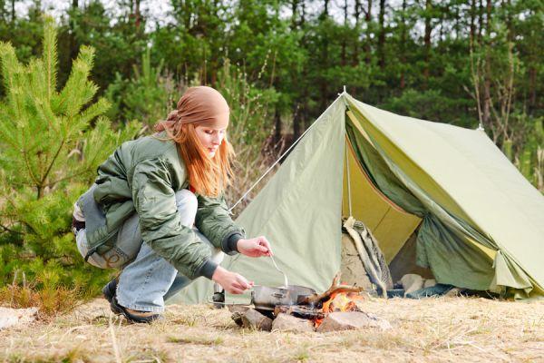 Tips para acampar en el barro. Claves para acampar sobre el barro. Cómo hacer una acampada en el barro. Cómo montar la tienda de campaña en el barro