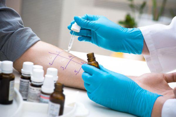 Síntomas de alergias respiratorias. Sintomas de alergias estacionales. Síntomas de alergias en la piel. Sintomas de alergias de primavera