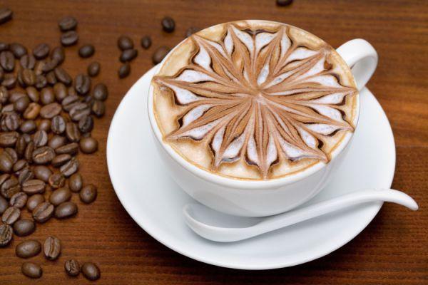 Cómo preparar un cafe latte tipo starbucks. Pasos para preparar un café latte en casa. Cómo preparar un latte casero