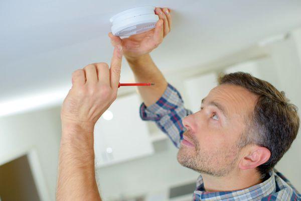 Cómo evitar robos. Sistemas de alarma para el hogar. Claves para tener un hogar más seguro. Tips de seguridad para la casa.