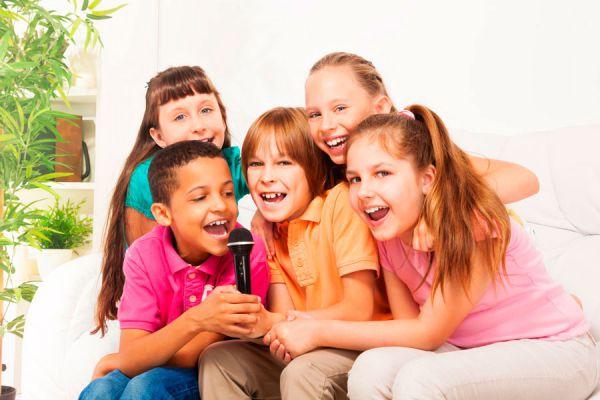 Ideas para organizar juegos en una pijamada. Juegos para una pijamada de niños. Ideas para organizar juegos en una pijamada infantil