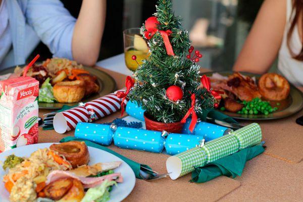 Ideas originales para decorar la cena de navidad. Cómo decorar la mesa en nochebuena. Ideas decorativas para la mesa en nochebuena