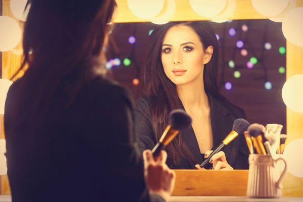 Empezar una carrera de modelo. Cómo ser modelo profesional. Cómo elegir una agencia de modelos. Tips para iniciarte en el modelaje