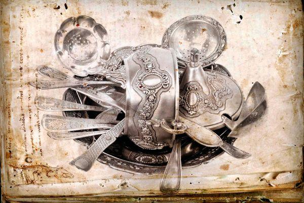 Técnica casera para limpiar objetos de plata. Cómo limpiar bandejas de plata. Limpiar joyas de plata