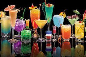 Ilustración de Formas y estrategias para decorar un trago