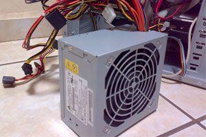 Ilustración de Cómo limpiar el ventilador y la fuente para evitar el ruido