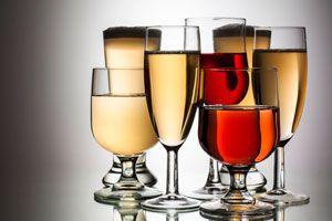 Ilustración de En que copas se sirven los vinos
