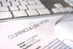Ilustración de Cómo hacer un Currículum Vitae. Guía Completa