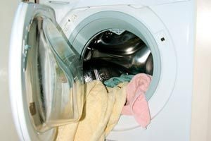 Ilustración de Cómo disminuir el consumo de energía del lavarropas