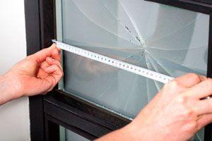 Ilustración de Cómo medir el vidrio para comprar otro