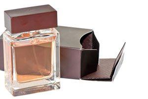 Guardar los perfumes para que duren mas tiempo. Como conservar los perfumes sin afectar la intensidad de su fragancia. tips para conservar perfumes