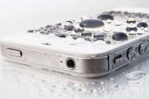 Cómo recuperar un teléfono celular mojado