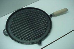 Ilustración de Cómo limpiar fácilmente las churrasqueras o planchas para bifes