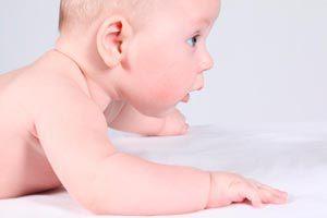 Ilustración de Cómo bañar a un bebé