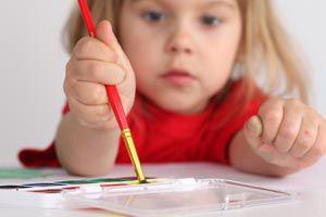 Ilustración de Cómo cuidar y ayudar a los niños asmáticos en la escuela