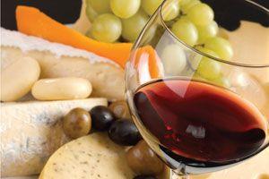 Ilustración de Cómo combinar el vino y los quesos