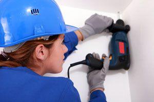 Ilustración de Cómo protegernos del polvo al perforar un techo